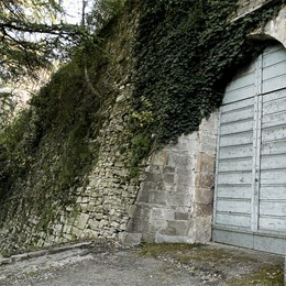 Una porta segreta sulle Mura  Sconosciuta e abbandonata