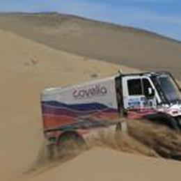 Dakar, Mutti sale  in camion:  corro dal 1992 e non è l'ultima