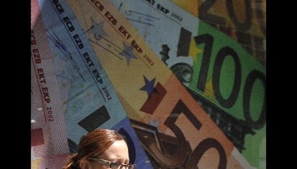 Cambi: euro stabile sul dollaro a 1,274