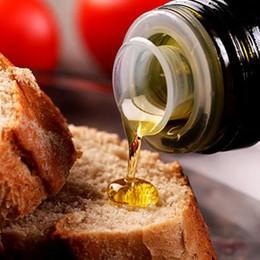 Addio olio rancido al ristorante Obbligatorio il tappo «anti-rabbocco»