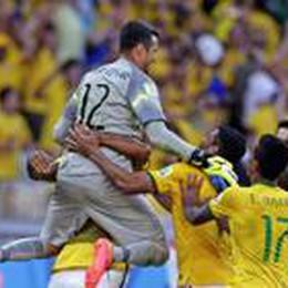 Pinilla colpisce la traversa al 120'  Brasile  ok ai  rigori. Eroe Julio Cesar