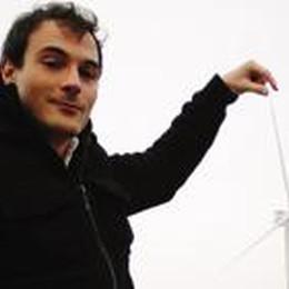 «Come il vento volo nel mondo  per spingere l'energia verde»