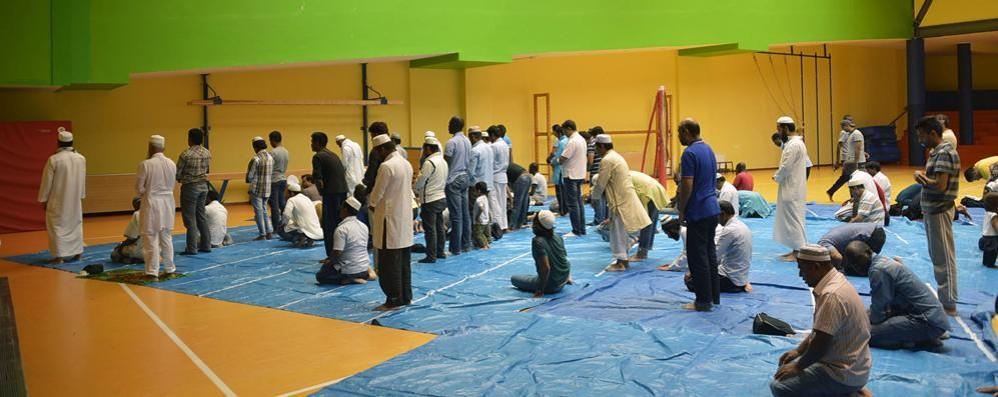 «In città almeno 10 mila islamici» Sale di preghiera, crescita nell'hinterland