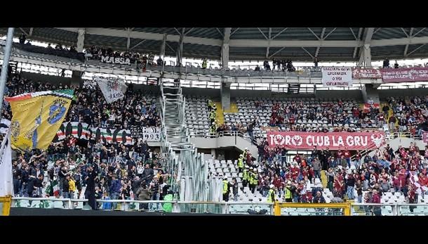 Bomba carta, lanciata da tifosi Juve