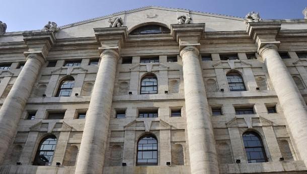 Borsa: Milano chiude in rialzo, +1,62%