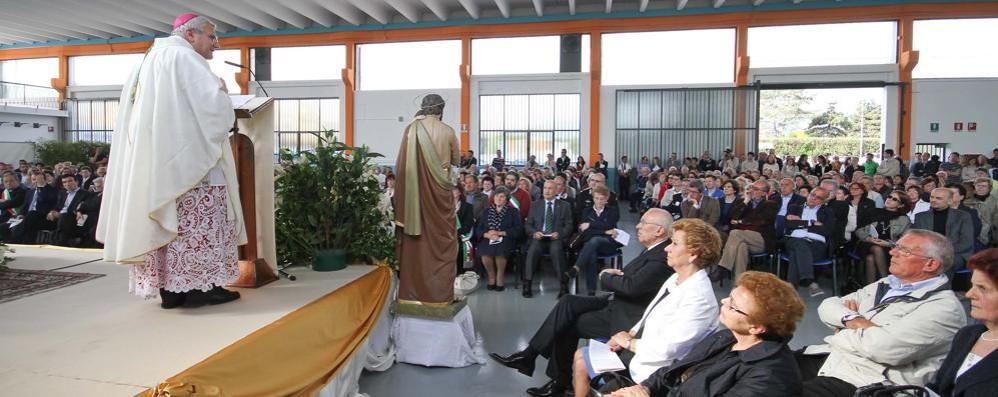 La Messa del Primo Maggio Il vescovo alla Pneumax di Lurano