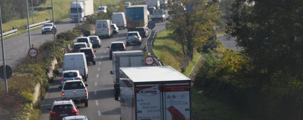 Traffico, seguite le nostre news   Code in A4 a causa di un incidente