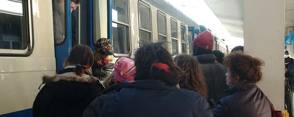 «Biglietti treni, nel 2017 niente aumenti» E arrivano finanziamenti per gli autobus