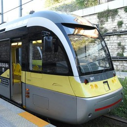 Fondi per i tram, (forse) si può fare  Delrio: «Pronti ad investire» - Video