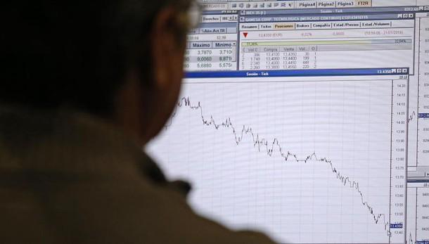 Borsa, Milano apre in calo (-0,46%)