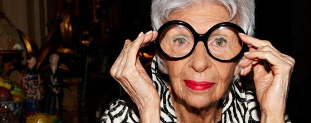 Un'icona di stile senza età Iris Apfel, 94 anni social