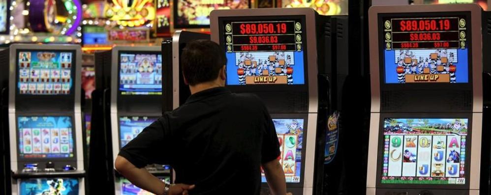 Il Pirellone attacca il governo Renzi «Vuole affossare la legge anti slot»