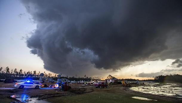 Usa: 20 morti in tornado e tempeste sud