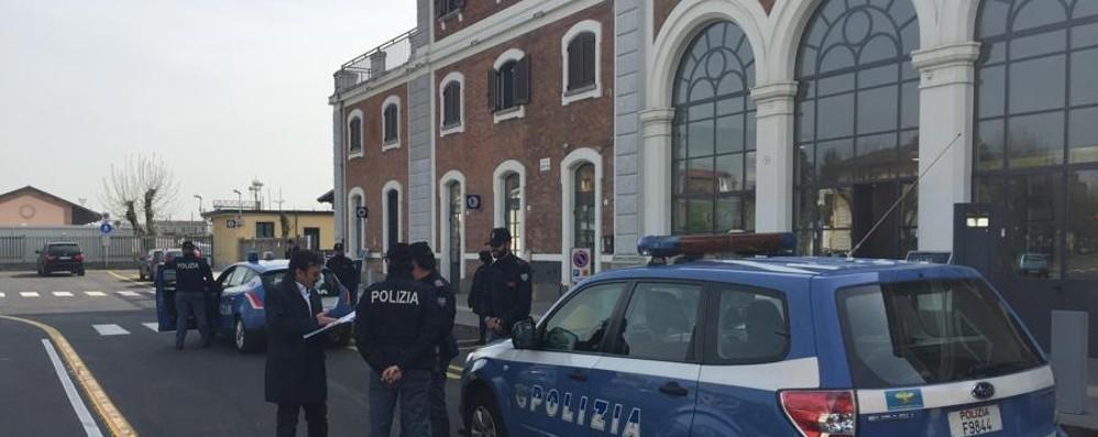 Minaccia tragico gesto alla stazione 55enne salvato dalla polizia a Treviglio