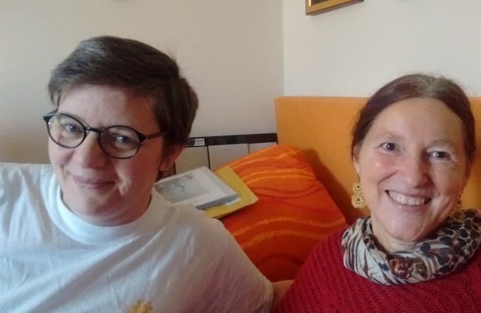 Cecilia Mangili (a destra) con l'amica Angela Curti