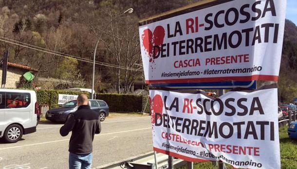 Manifestanti bloccano Salaria a Arquata