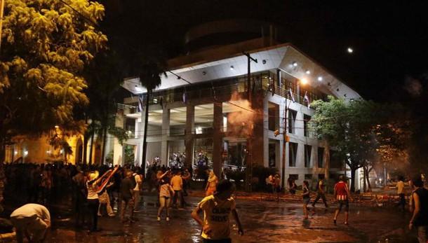 Paraguay: almeno un morto in proteste