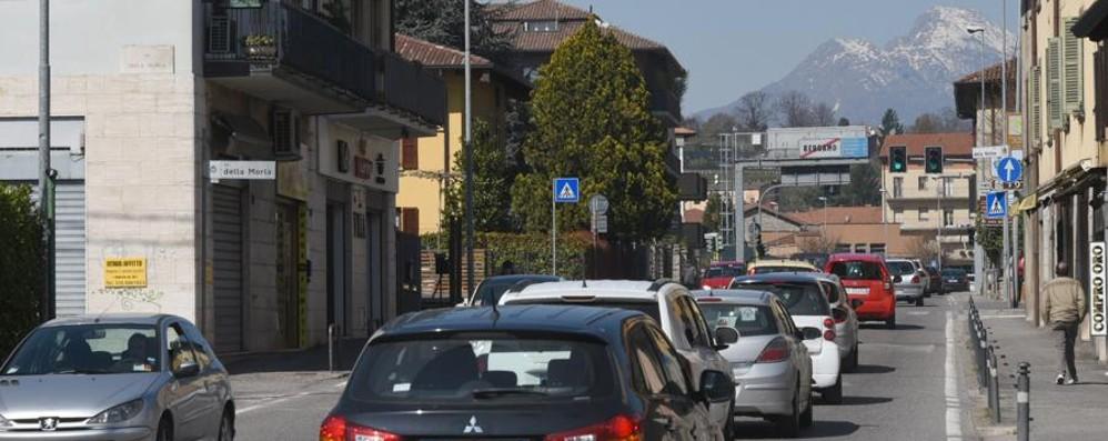 Ancora lunghe code al Pontesecco Segui le nostre news in tempo reale