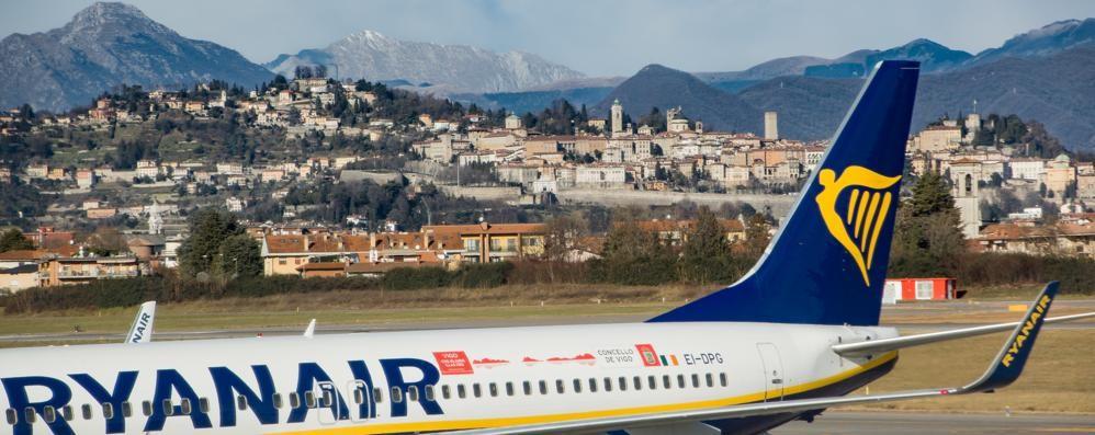 Ryanair cancella volo, tutti a terra «Prima alternativa solo il 20 settembre»