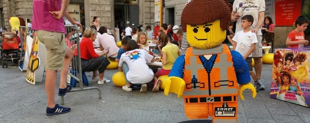 Bergamo, in via Pignolo arrivano i Lego Area giochi con 250 chili di mattoncini