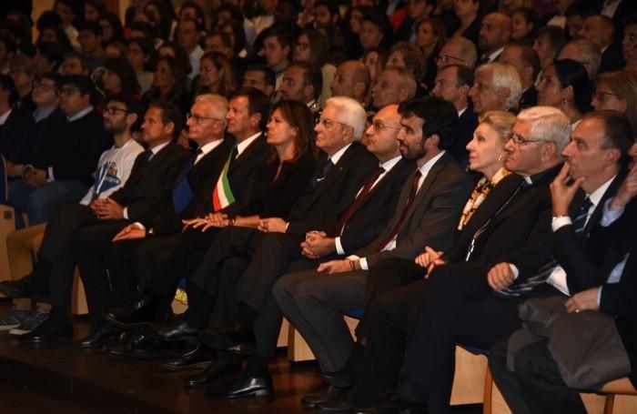 Il presidente Mattarella e alcuni rappresentanti delle istituzioni, in Città Alta