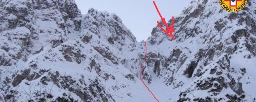 Bloccati in parete sull'Alben: salvati  Valleve, tre scialpinisti si perdono: trovati