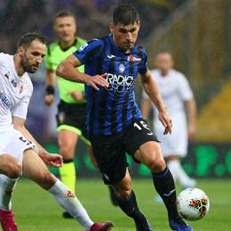 Cori razzisti in Fiorentina - Atalanta Pizzarotti: «Siete ospiti, vergogna»
