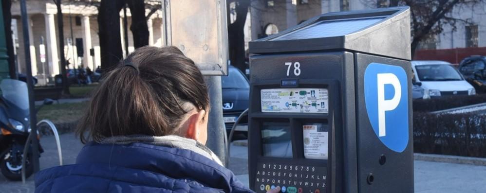 Parcheggi Atb, cresce l'uso di app e carte Ecco come fare a pagare la sosta
