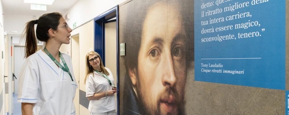 Bergamo, le opere d'arte in ospedale  vivono grazie ad attori e scrittori - Video