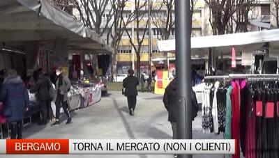 Bergamo - Mercati al completo, ma pochi clienti