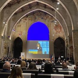 Bergamo, s'inaugura l'anno accademico. Casellati: «Riparte l'Università, riparte l'Italia» - Foto e video