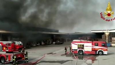 Incendio alla «GiòStyle» di Urgnano
