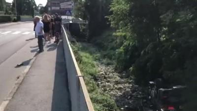 Auto si ribalta e finisce nel torrente a Bonate Sopra, ferito un 28enne