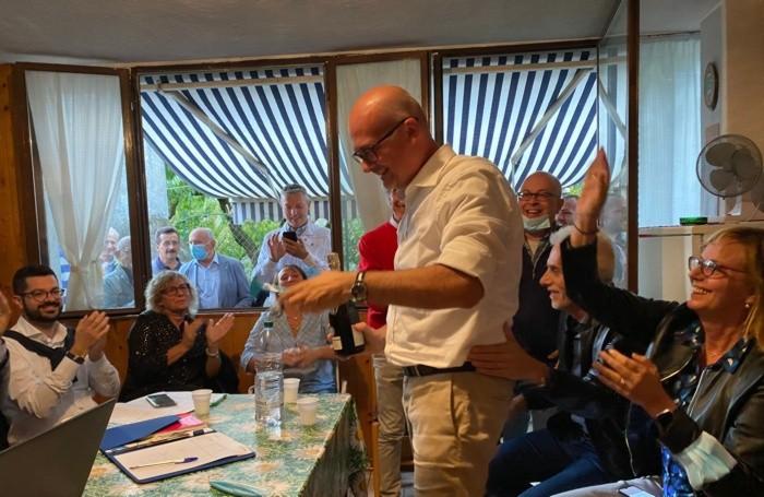 Federico Baiguini festeggia