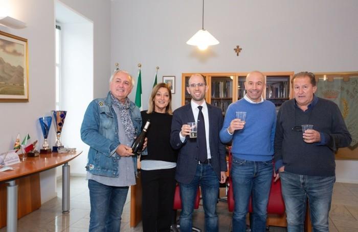 Festeggiamenti Matteo Macoli nuovo sindaco di Ponte San Pietro