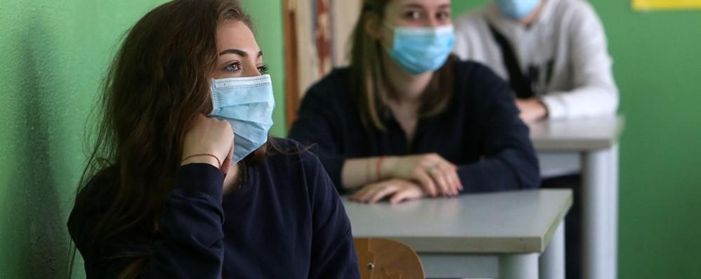 Covid, a scuola scendono da 29 a 11 le classi in quarantena nella Bergamasca