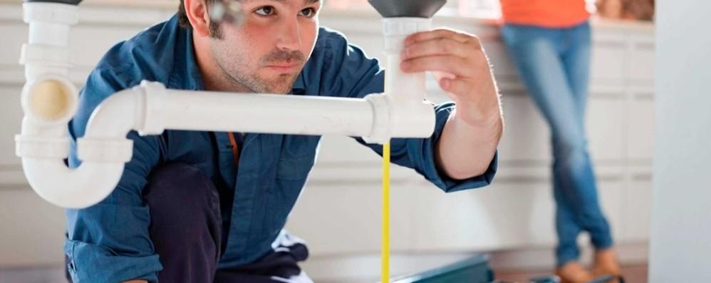 Dal muratore all'idraulico fino al contabile: ecco le offerte di lavoro della Provincia di Bergamo