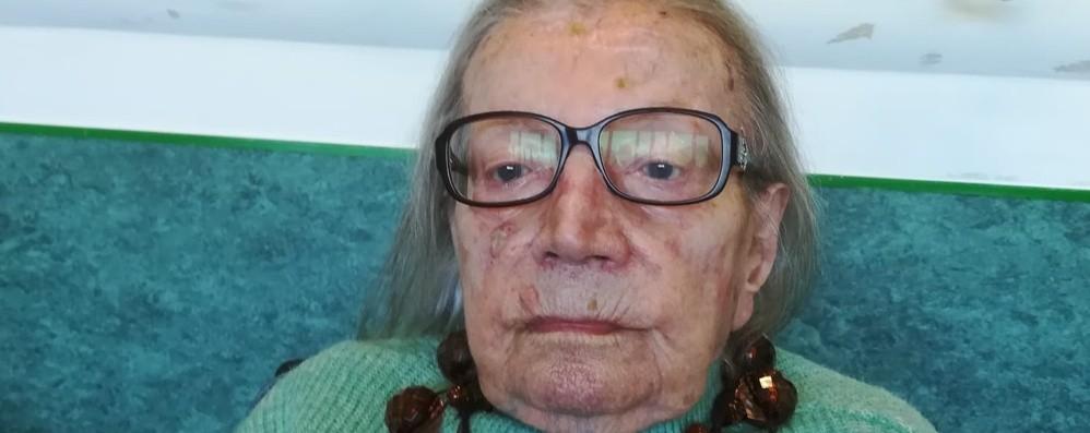 Festa per i 107 anni di Maria, volò sull'aereo di Locatelli