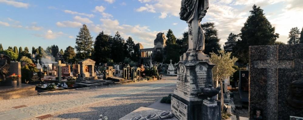 Intervento con diserbanti, lunedì 18 resta chiuso il cimitero di Bergamo