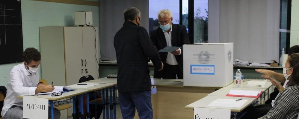 Sei Comuni superano il 40% a fine serata: qui il sindaco è già virtualmente eletto - Foto