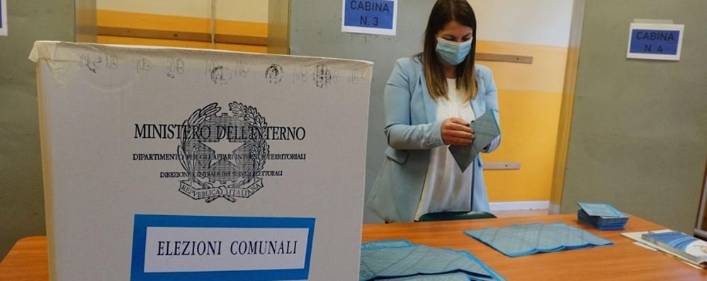 Comunali: riaprono i seggi, si vota fino alle 15. L'affluenza delle 23 nella Bergamasca al 45,83% - I dati locali e nazionali