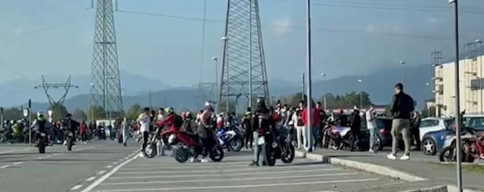 Gare clandestine di motorini, scatta il blitz a Chiuduno: 20 identificati
