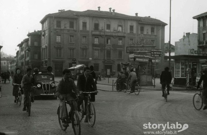 Piazza Sant'Anna nel 1954