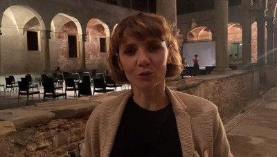Tic Tac. Camilla Filippi a Bergamo con «Non esistono donne piccole»